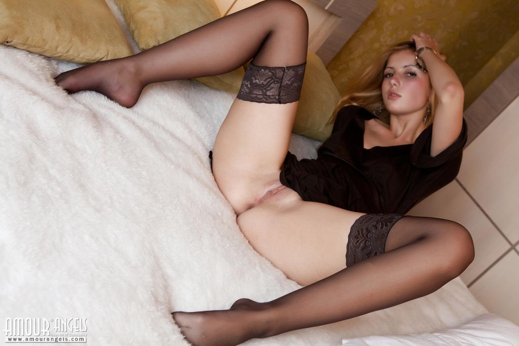 Фото порно секс молодые чулки